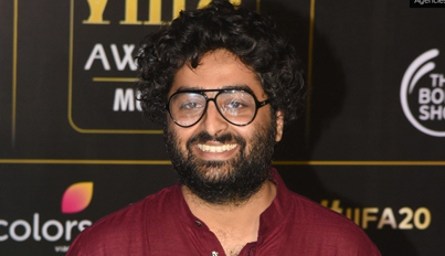 Arijit Singh joins hands with GiveIndia for Covid-19 fundraiser
