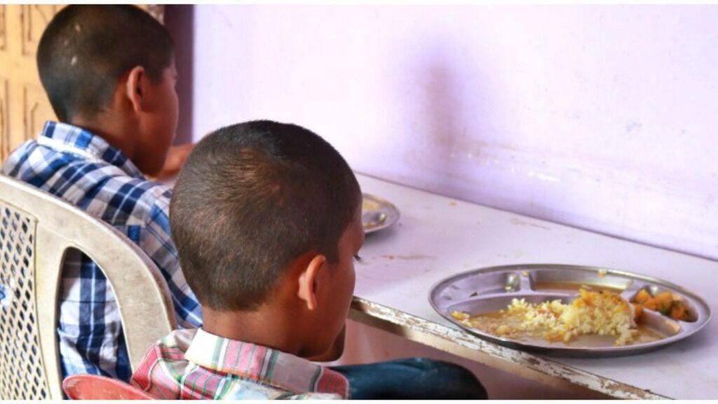 Sponsor the food expenses of homeless vulnerable children