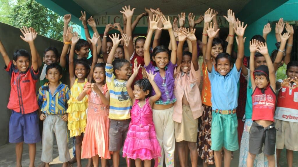 Support clothes and footwear for a poor orphan child