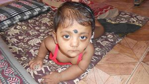 Support the treatment of a baby at risk