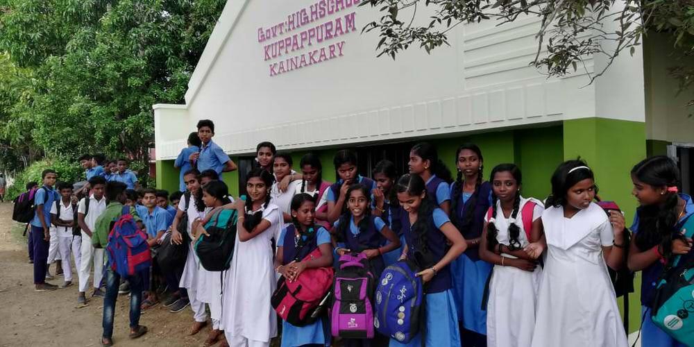 2019-11-11-1.studentsafterdistribution_kuppapuram-donorserviceidea.jpg