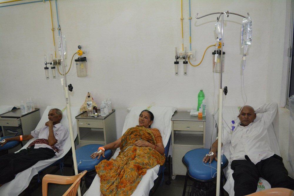 2019-11-11-chemotherapy3-georgeparmar.jpg