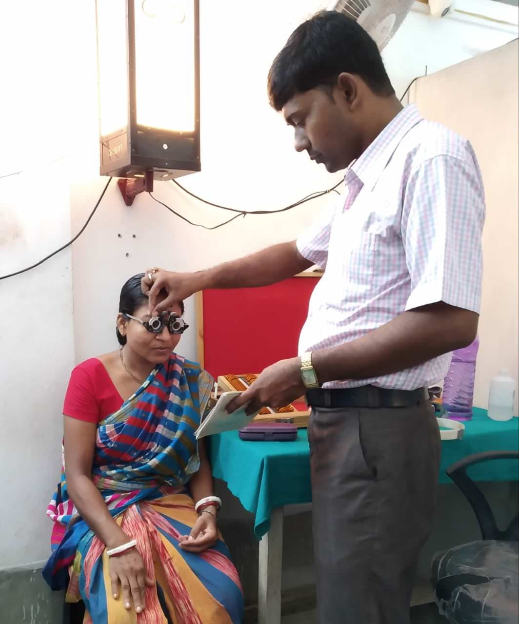 2019-11-11-eyecheckupforspectacles-ruralhealthcarefoundationcarefoundation.jpeg