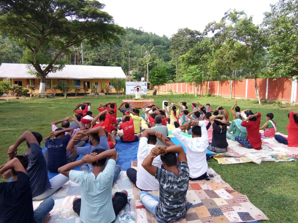2019-11-11-internationalyogadaycelebratedattherehabilitationhomes-ashadeepsociety.jpg