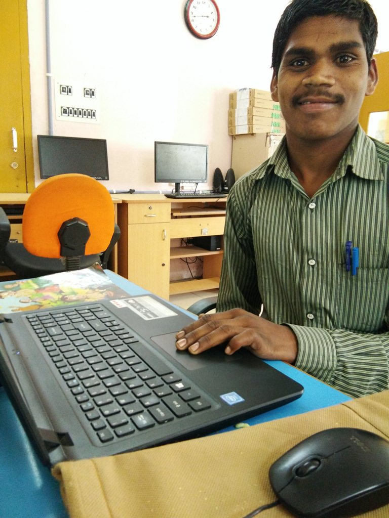 2019-11-11-manuhathila-blindwelfarecouncildahod.jpg