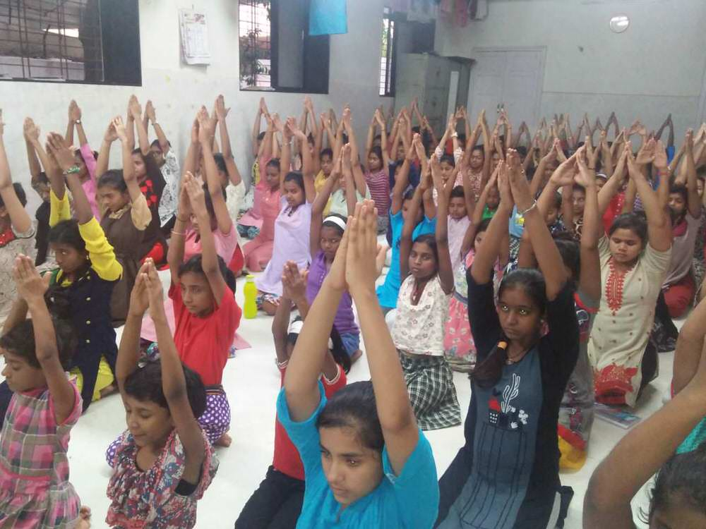 2019-11-11-yoga_day__3_.jpg