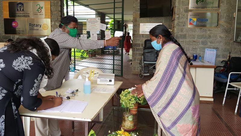2020-08-05-Karunashraya_Helppoorterminallyillpatientsgetaccesstomedicalcare_2.jpeg