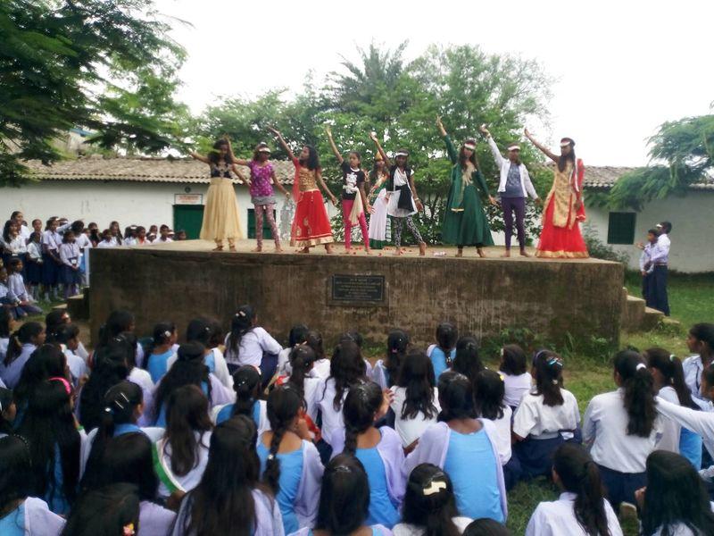 2020-08-05-NavBharatJagritiKendra_Gifteducationtoanunderprivilegedchild_2.jpg