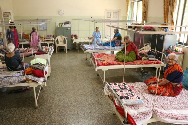 2020-08-05-ShraddhanandMahilashram_Givepoorseniorcitizensaccesstoasafeshelter_1.jpg