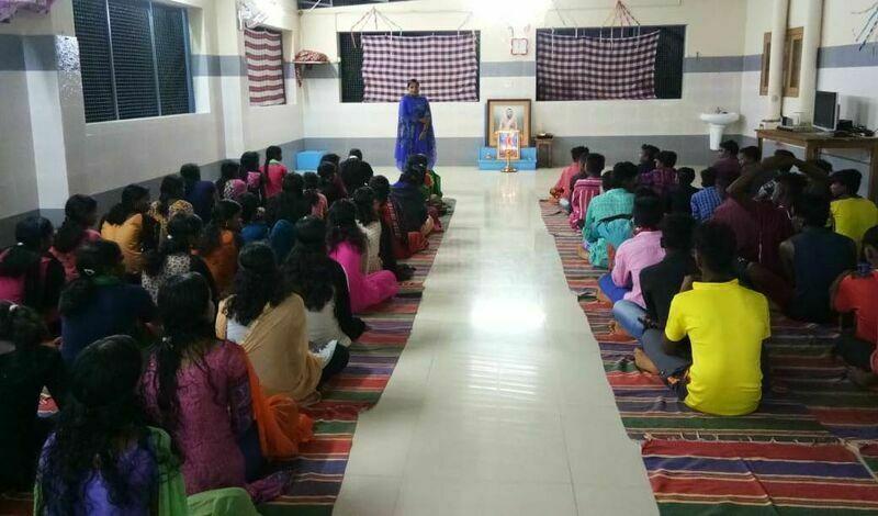 2021-03-23-usualbriefingaftereveningprayeratschoolfile-velayudhannambiar.jpg